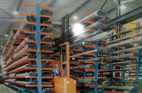 cantilever-racking-long-material-storage